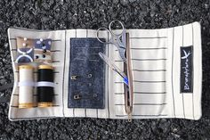 "roll up ""Make do and Mend"" sewing kit - nice. Sewing Hacks, Sewing Kits, Sewing Crafts, Sewing Projects, Sewing Tools, Sewing Case, Make Do And Mend, Creative Textiles, Diy Couture"