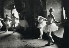 Ballerinas rehearse for Swan Lake at Grand Opera de Paris, by Alfred Eisenstaedt, 1930