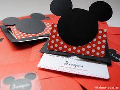Mickey - Cumpleaños de nene - Invitación tipo pop up con temática Mickey Mouse para cumpleaños infantil. Con sobre y sticker.