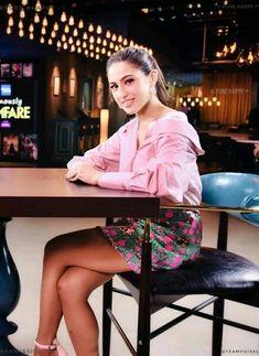 Sara Ali Khan, Bollywood Stars, India Beauty, Beautiful Actresses, Bollywood Actress, Sexy Legs, Indian Actresses, Street Style Women, Curves