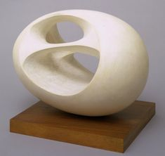 Barbara Hepworth, Oval Sculpture (No. 2), 1943, cast 1958, Plaster on wooden base | art