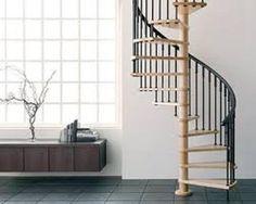 A escada caracol pode variar de diâmetro, sendo que o diâmetro mínimo para uma escada caracol deve ser de 1,20 m, e é necessário uma abertura na laje, que pode ser quadrado ou redondo, para instalação da escada caracol.                                                                                                                                                                                 Mais