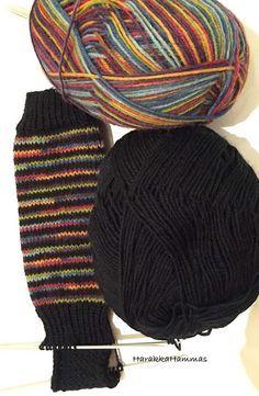Wool Socks, Knitting Socks, Knitted Hats, Lots Of Socks, Slouchy Hat, Sock Shoes, Leg Warmers, Knit Crochet, Knitting Patterns