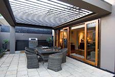 Vergola over outdoor kitchen / BBQ area Outdoor Decor, Outdoor Entertaining Area, Pergola With Roof, Patio Kitchen, Outdoor Living, Roof Design