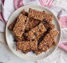 Date and Oat Bars - deliciously ella. Makes an amazing chewy bar. Try slightly less dates next time as could cope with being less sugary. Only use half the recipe as it makes two pans worth.