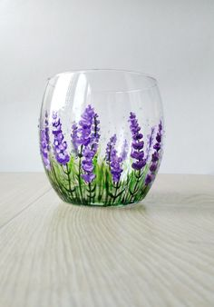 Discover thousands of images about Lavender Wine Glass Gift Stemless wine glass Violet Purple Flowers glasses Personalized Gift Hand Painted Provence Decor Thanksgiving gift Painted Wine Bottles, Hand Painted Wine Glasses, Painted Vases, Painted Flowers, Wine Glass Crafts, Wine Bottle Crafts, Bottle Painting, Bottle Art, Painting On Glass Jars