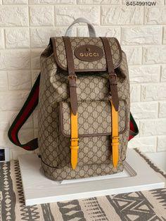 e373f8edf7358 Gucci man backpack supreme GG shoulders bag