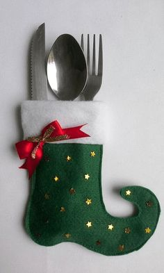 Christmas 2019 : Christmas crafts for the kitchen Christmas Napkin Folding, Christmas Napkins, Christmas Sewing, Christmas 2019, Christmas Holidays, Christmas Love, Felt Christmas Decorations, Felt Christmas Ornaments, Christmas Stockings