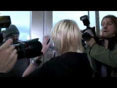 ▶ Taylor Momsen escapes paparazzi... for Nike