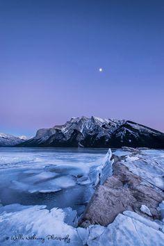 Blue Hour @ Lake Minniwanka, Banff, Alberta, Canada - An hour before sunset at Lake Minniwanka. Banff National Park, Alberta, Canada. | by Wiil_Netherway on 500px