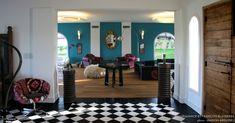 Arguibel à Guethary, près de Biarritz, allie luxe et design dans un concept qui se situe entre hôtel quatre étoiles et maison d'hôtes de prestige.…