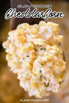 Slow Cooker Cheddar Corn - this stuff is AMAZING! Just dump everything in the slow cooker and let it work its magic! Crockpot Side Dishes, Potluck Side Dishes, Fall Crockpot Recipes, Easter Side Dishes, Corn Dishes, Side Dishes For Bbq, Corn Recipes, Thanksgiving Side Dishes, Crock Pot Cooking