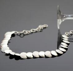 Elegante zilveren ketting Gratis verzending in Nederland.  http://www.dczilverjuwelier.nl/zilveren-ketting-vogue