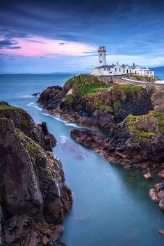 Fanned Head Light | Ireland © Christian Ringer www.christianringer.photography