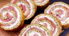 Rolled with zucchini and salmon - Les recettes salées - Doughnut Recipes Healthy Breakfast Recipes, Healthy Snacks, Healthy Recipes, Healthy Finger Foods, Tasty Videos, Food Videos, Cooking Videos, Food Platters, Football Food