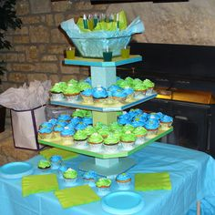 cute display idea for a party/Cupcakes.. we did a display similar for our wedding kids cupcakes