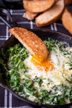 Creamy Eggs and Kale Breakfast - These Creamy breakfast eggs with kale are an easy one pot breakfast or lunch - ready in under 10 minutes. My absolute favourite grown-up version of dippy eggs and soldiers. Kale Recipes, Egg Recipes, Brunch Recipes, Vegetarian Recipes, Cooking Recipes, Healthy Recipes, Vegetable Recipes, Veggie Food, Cooking Tips