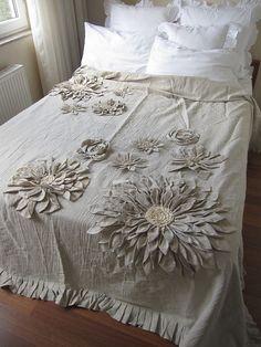 Dahlia Flower Applique Bohemian bedding duvet cover by nurdanceyiz Bed Cover Design, Cushion Cover Designs, Duvet Bedding, Bedding Sets, Diy Pillows, Decorative Pillows, Country Bedding, Bohemian Bedding, Shabby Chic Decor