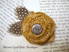 Lovely broach-no tutorial, but I think we can figure it out...