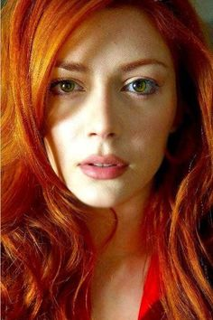 Elena Satine as Glenna Ward in Morrigans Cross, the Circle Trilogy, by Nora Roberts