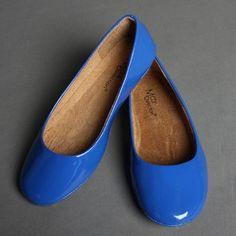 blue ballet flats // WANT!  Very much!