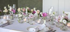 Bilderesultater for borddekorasjoner – Test Bridesmaid Brunch, Flower Decorations, Table Decorations, Orchid Centerpieces, Wedding Table Flowers, Tablescapes, Floral Arrangements, Floral Design, Table Settings
