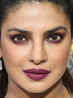 Close-up of Priyanka Chopra at the 2017 Emmy Awards. Makeup Vs No Makeup, Hair And Makeup Tips, Hair Makeup, Priyanka Chopra Makeup, Actress Priyanka Chopra, Celebrity Makeup Looks, Cute Girl Photo, Most Beautiful Indian Actress, Flawless Face