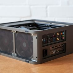 Circle Pro is the best, modular, unibody mini-itx computer case. Build your perfect liquid cooled system in Circle Pro. Pc Gaming Setup, Gaming Station, Pc Setup, Computer Build, Gaming Computer, Nas Hdd, Custom Computer Case, Diy Pc, Build A Pc