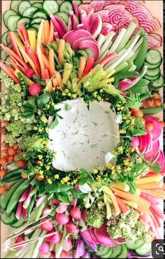 15 Swoon-Worthy Cheese & Charcuterie Boards Hosting a party at home? Look no further than these 15 swoon-worthy cheese and charcuterie boards that we are absolutely obsessed with. Veggie Platters, Party Platters, Veggie Tray, Vegetable Dishes, Meat Trays, Snacks Für Party, Appetizers For Party, Appetizer Recipes, Easter Recipes