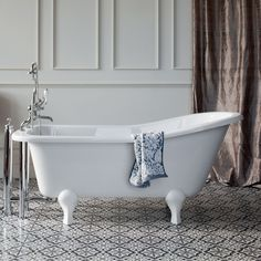 1600mm Traditional Large Roll Top Freestanding Slipper Bath With
