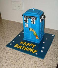 TARDIS DR. WHO CAKE