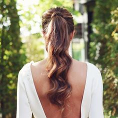 """Saray Peña Makeup & Hairstyle on Instagram: """"Las novias con coleta llegaron para quedarse . No quieres tapar la espalda de tu vestido pero con un recogido no te encantas o te ves mayor…"""" Easy Hairstyles For Long Hair, Ponytail Hairstyles, Pretty Hairstyles, Wedding Hairstyles, Wedding Hair And Makeup, Bridal Hair, Hair Makeup, Wedding Hair Inspiration, Wedding Ideas"""