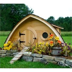 Hobbit Hole Chicken Coop, Small (Up to 5 chickens)