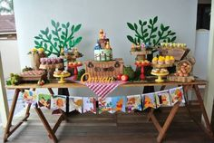 Rustic Winnie the Pooh 1st birthday party via Kara's Party Ideas KarasPartyIdeas.com #winniethepooh #firstbirthday #winniethepoohparty #karaspartyideas (11)