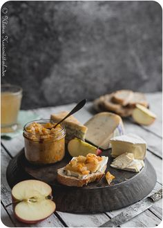 Heute auf der Karte: Apfelchutney Chutneys, Finger Foods, Pickles, Camembert Cheese, Dips, Yummy Food, Homemade, Meals, Recipes