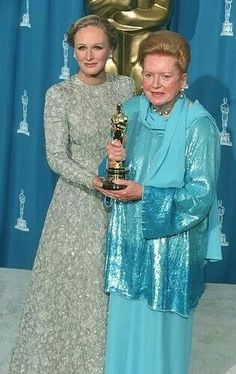 Honorary Oscar 1994 Deborah Kerr and Glenn Close Hollywood Actor, Hollywood Stars, Hollywood Actresses, Classic Hollywood, Old Hollywood, Actors & Actresses, Academy Award Winners, Oscar Winners, Academy Awards