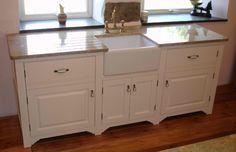 Versatile Kitchen Base Cabinets for Concealed Concept of Your Kitchen Kitchen Cabinets With Sink, Ikea Kitchen Sink, Vintage Kitchen Sink, Painting Kitchen Cabinets, Kitchen Paint, Kitchen Furniture, Modern Furniture, Basement Kitchen, Kitchen Office