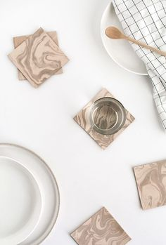 DIY Marbled Leather Coasters | Homey Oh My Diy Craft Projects, Craft Tutorials, Diy And Crafts, Class Projects, Homemade Crafts, Decor Crafts, Art Decor, Room Decor, Diy Mothers Day Gifts