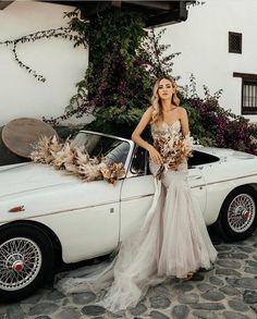 Real life #BERTA Privée beauty ♥ Wedding Transportation, Real Life, Romance, Formal Dresses, Classic, Vintage, Inspiration, Beauty, Fashion