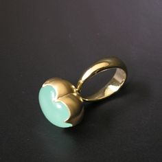 cloud chalcedony ring: like a poisonous berry
