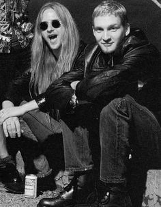 Jerry Cantrell and Layne Staley - Alice in Chains Layne Staley, Alice In Chains, Nirvana, Mike Inez, Mike Starr, Jerry Cantrell, Mad Season, Temple Of The Dog, Chris Cornell