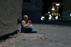 Tiny, Heartbreaking Street Art Sculptures from Isaac Cordal #streetart #art
