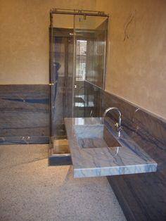 doccia e top in granito azul macaubas design e realizzazione by blancomarmo.it