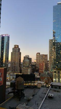 Night Aesthetic, City Aesthetic, Travel Aesthetic, New York Life, Nyc Life, City Vibe, Dream City, Concrete Jungle, Night City