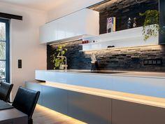 Wohnküche Tholey : Moderne Küchen von Bolz Licht & Design GmbH