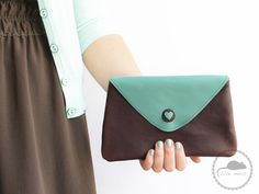 Borsetta clutch in pelle con un cuore ~ Leather clutch bag with a heart - di lille_mus