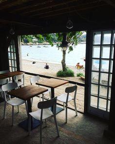 "@mb68 su Instagram: ""#lecabanon #roquebrune #roquebrunecapmartin #france #france🇫🇷 #provence #cotedazur #francia…"" Provence France, Coffee Time, Table, Furniture, Instagram, Home Decor, Decoration Home, Room Decor, Provence"
