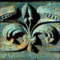 """Decorative Fleur de Lis Wood Plaque - Photo of Green FDL 11""""x11"""""""