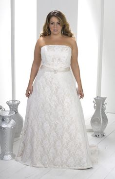 287ea8540fda5 Gorgeous A-line Strapless Floor-Length Chapel Lace Plus Size Wedding Dresses  picture 1