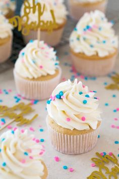 A sweet and simple recipe for Gender Reveal Cupcakes! Fill them with either pink or blue sprinkles for a fun surprise reveal! This recipe can be doubled. Gender Reveal Food, Simple Gender Reveal, Gender Reveal Cupcakes, Pregnancy Gender Reveal, Gender Reveal Party Decorations, Baby Gender Reveal Party, Pregnancy Photos, Party Desserts, Reveal Parties